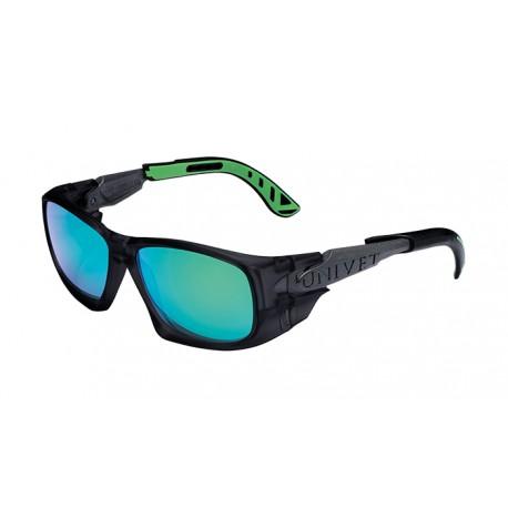 Occhiale protettivo da lavoro con lente scura verde antigraffio UNIVET          mod.5X9.04.02.09
